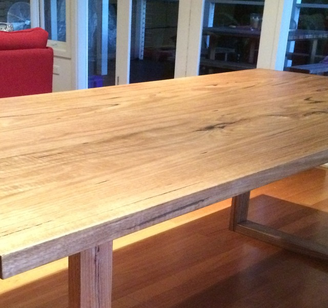 U base dining table by Michael Hayes - Diningtable, Table, Interiorstyle, Furniture, Bespoke, Custommade, Handmade