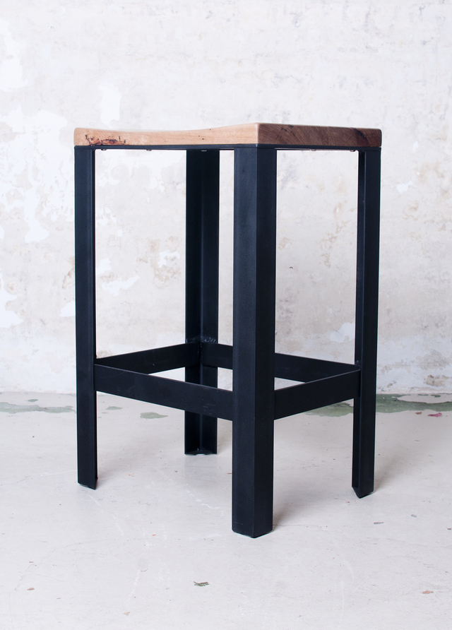 Stringy steel stool by Telegraph Road - Stringy Bark, Mild Steel