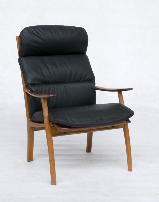 Werriwa Lounge Chair by Evan Dunstone - Werriwa, Lounge Chair, Dunstone Design Chairs, Wood Leather Lounge