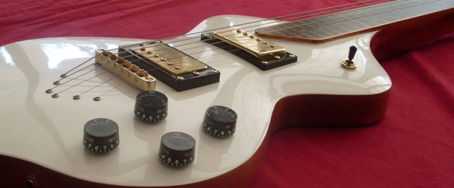 Lap Steel Guitar by Pedullá Studio - Mahogany, Slide Guitar, Hardware, Custom