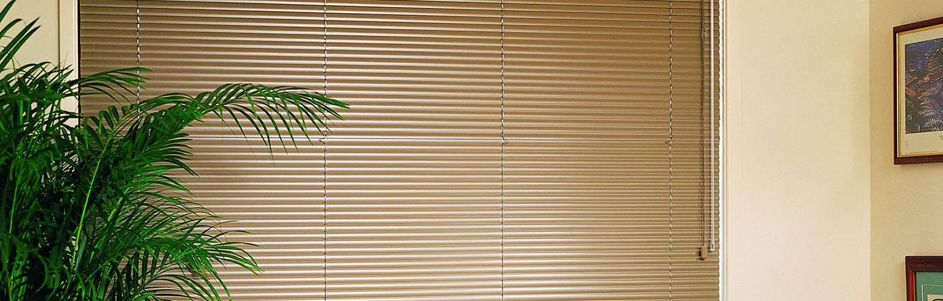 Luxaflex - Products - Shutters and Venetians - Aluminium Venetian Blinds Bottom