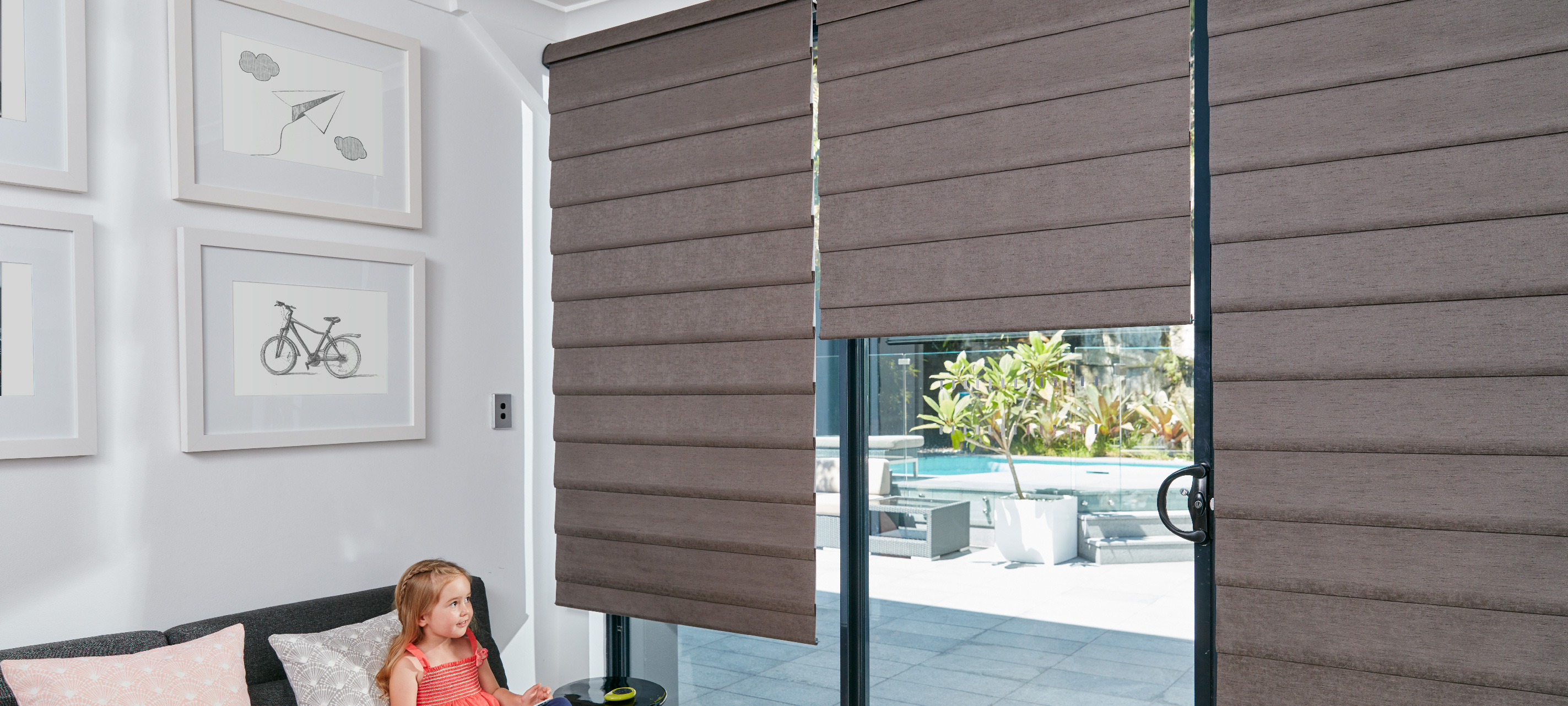 Luxaflex - Products - Softshades and Fabrics - Modern Roman Shades Banner 2 image