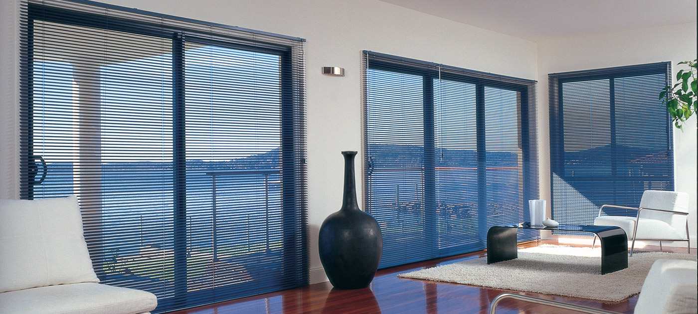 Luxaflex Showcase - Products - Shutters and Venetians - Aluminium Venetian Blinds Banner image