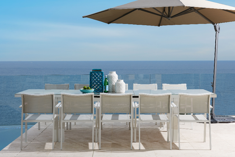 La Tavola 11 Piece Outdoor Dining Setting