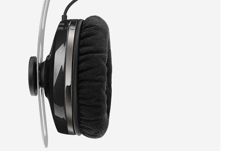 Momentum on-ear Audio