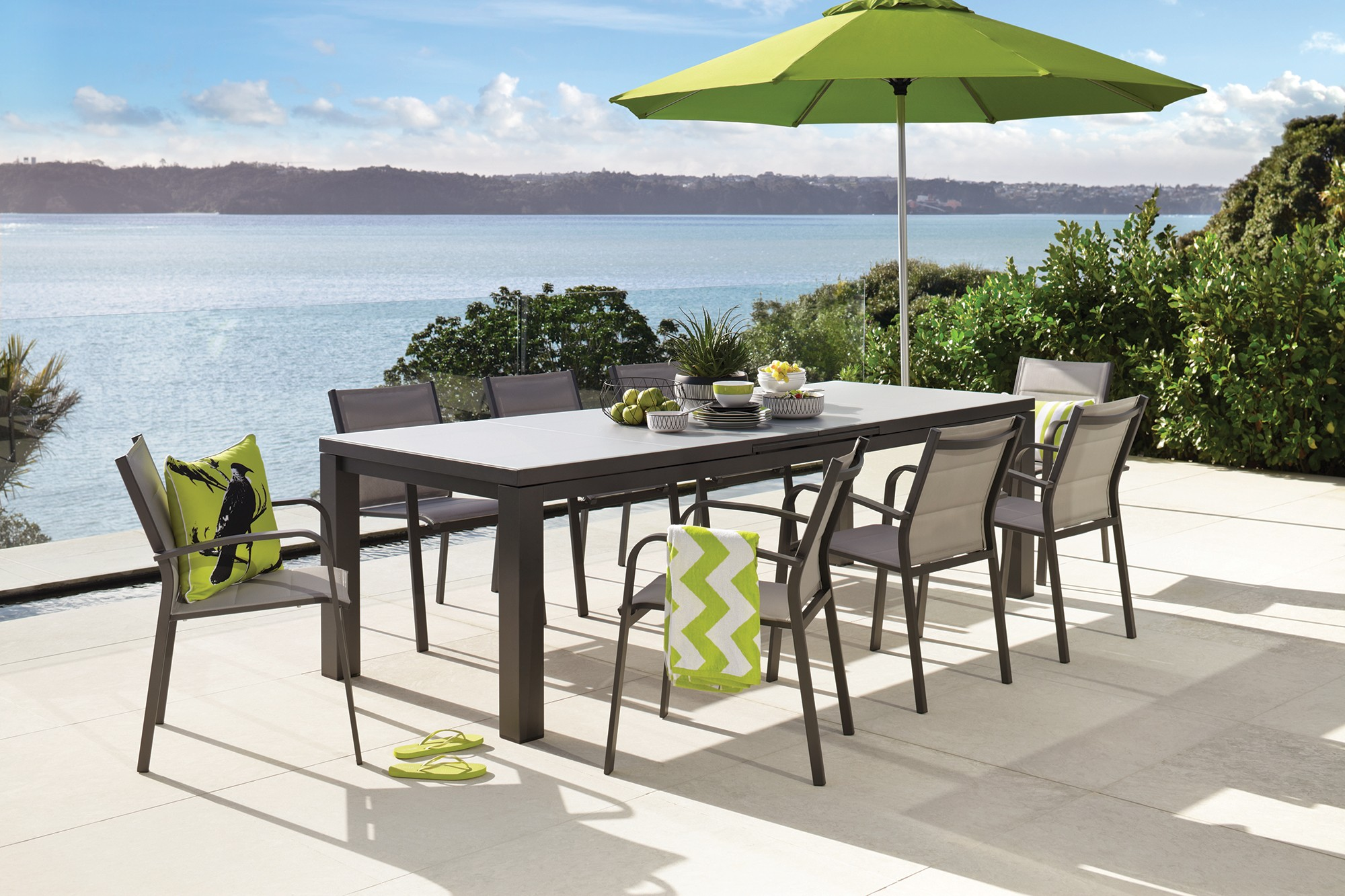 Outdoor Dining at Harvey Norman