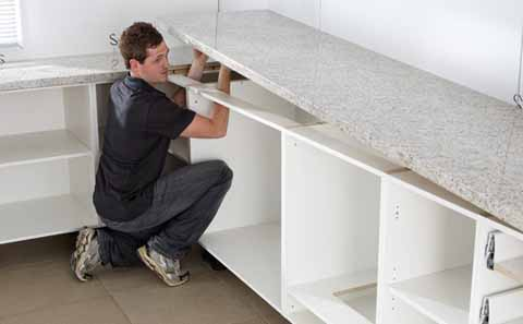Installing the kitchen benchtop