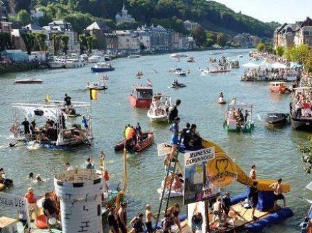 international regatta of bathtubs | dinant | stuff to do | hopolla