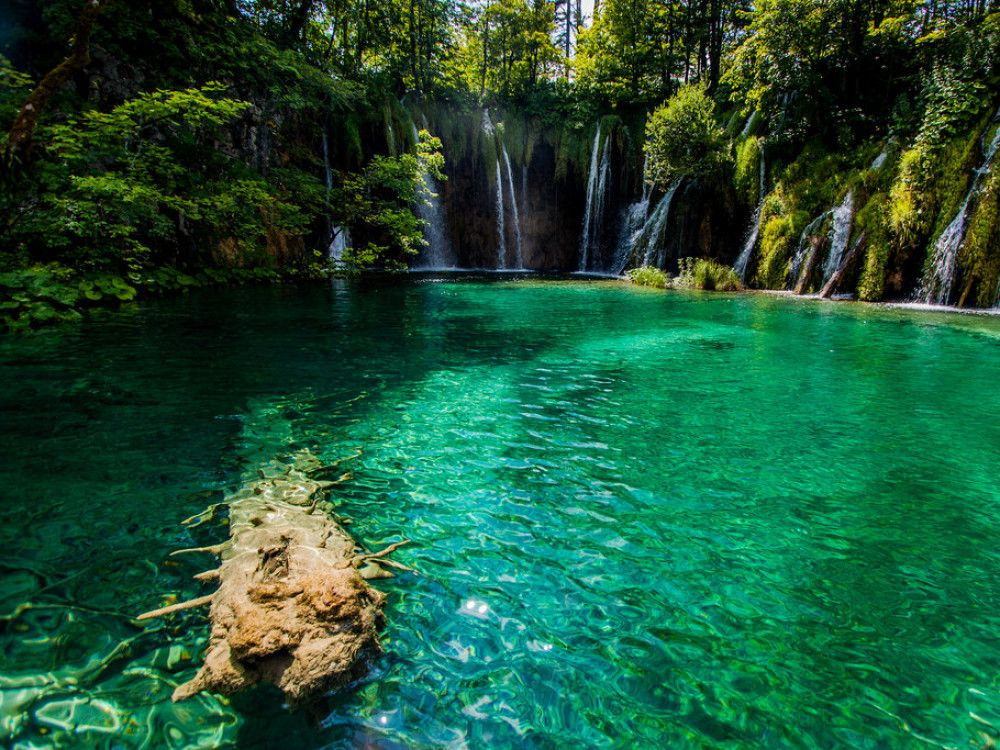 illustration of Plitvice Lakes #2