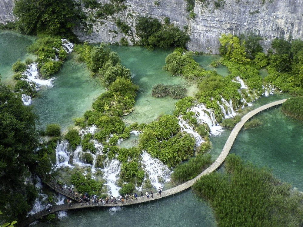 illustration of Plitvice Lakes #4