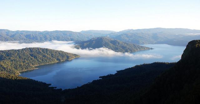 Lake Waikaremoana viewd from a campervan rental