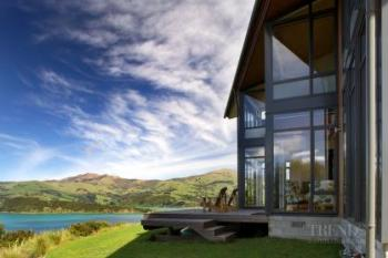 Hill-top holiday home