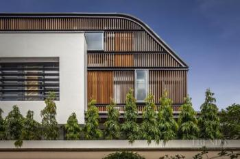 Contemporary new semi-detached house with attic level and rooftop terrace