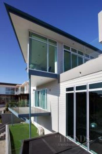 Contemporary house renovation of derelict home over three levels, by Scarbro Residential. Image: 4