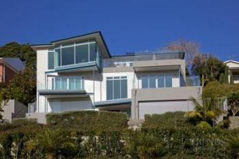 Contemporary house renovation of derelict home over three levels, by Scarbro Residential. Image: 2