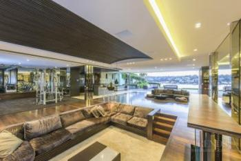 Six tier home with wide, open spans provides great indoor-outdoor living