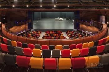 ASB Waterfront Theatre provides an intimate theatre experience and close connections with adjacent public spaces