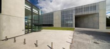 Innovative use of a sloping site provides new facilities for two university faculties