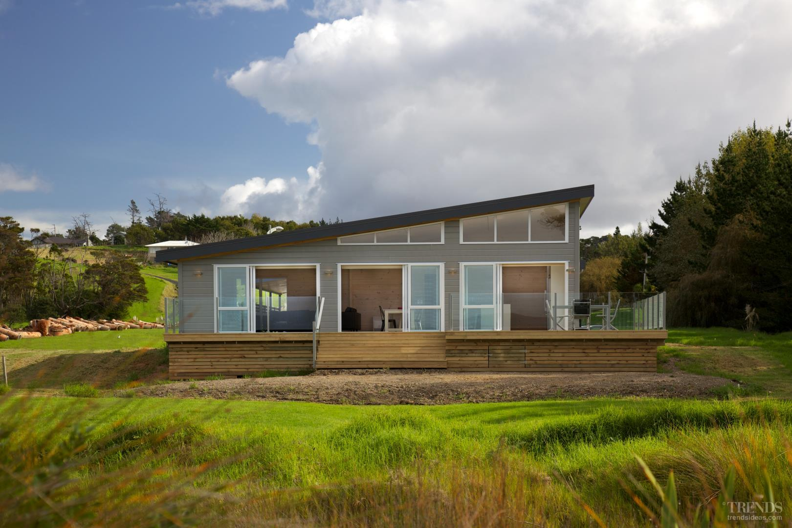 Lockwood holiday home at snells beach freatures custom for Beach holiday house designs