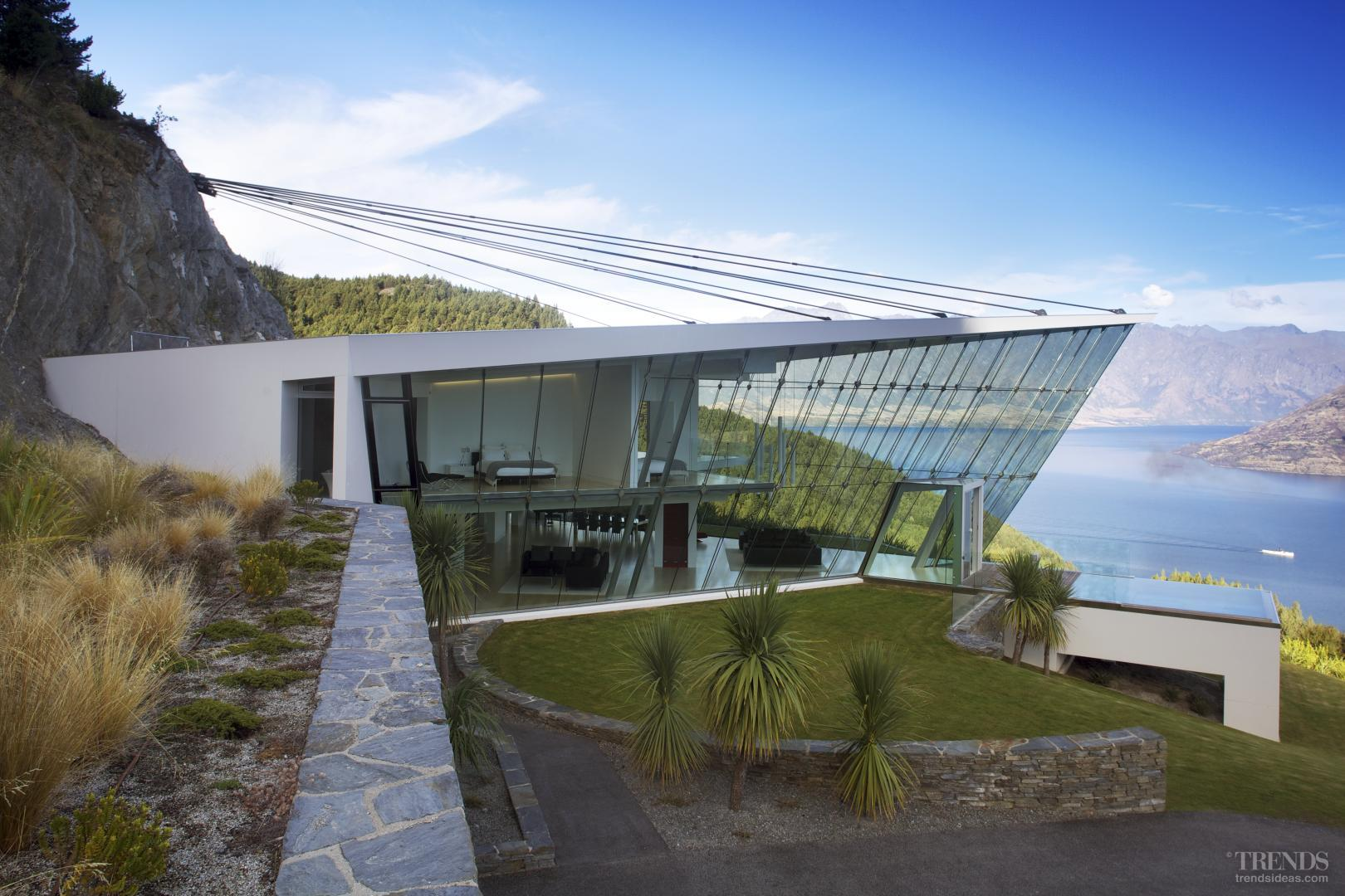 Off the edge queenstown glass pavilion for Design house architecture nz