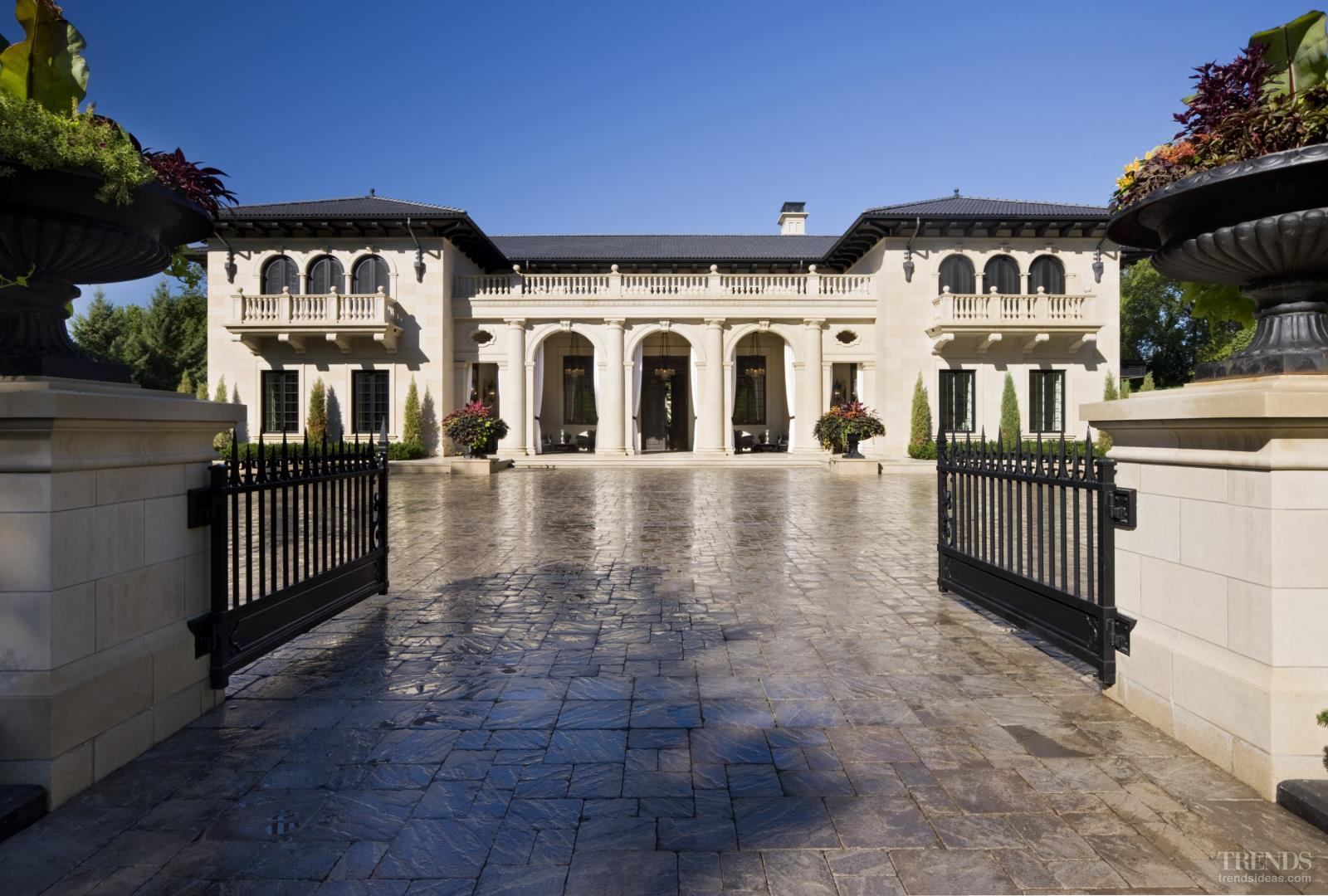 La dolce vita italianate house by tea2 architects for Vita house