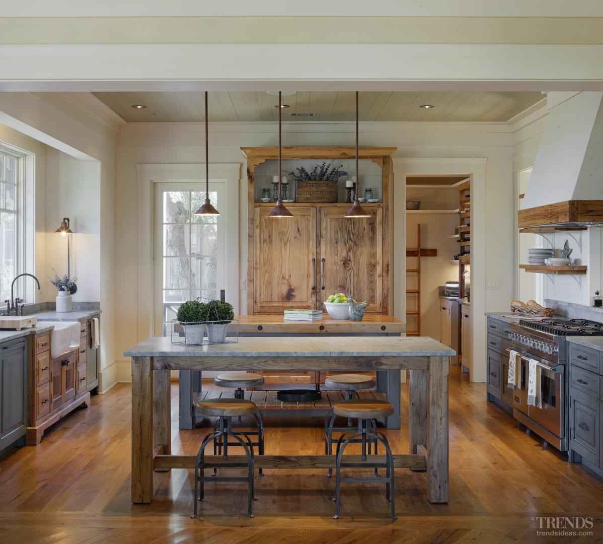 Kelley Designs Kitchen Reflects Location