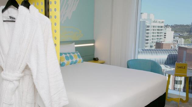 Ibis Styles East Perth room