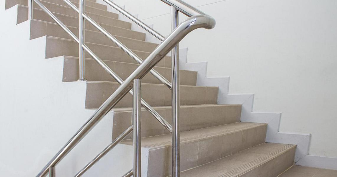 how-to-create-code-compliant-stair-cases-in-revit.jpg