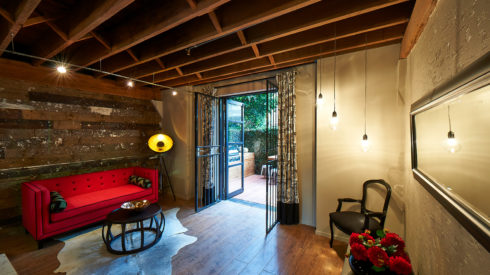 09-Cherie-Barber_Renovating-For-Profit_Chippendale-Warehouse_Living-After_0100-00237