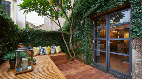 Feature-Cherie-Barber_Renovating-For-Profit_Chippendale-Warehouse_Courtyard-After_0100-00237
