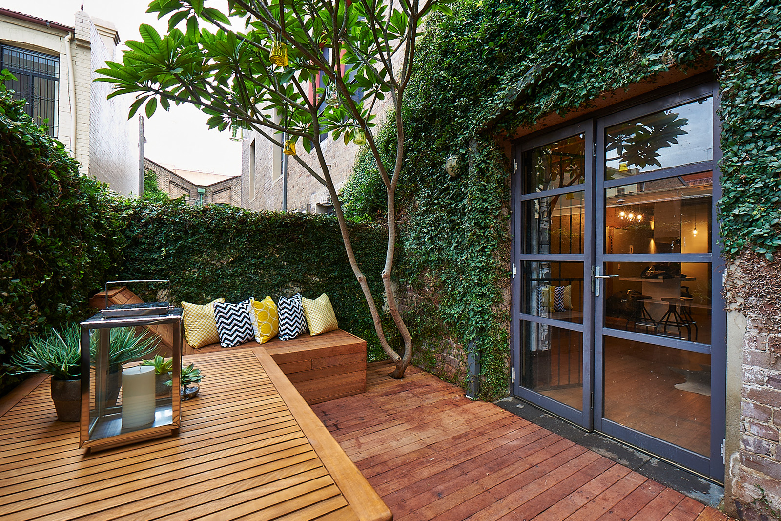 Cherie-Barber_Renovating-For-Profit_Chippendale-Warehouse_Courtyard-After