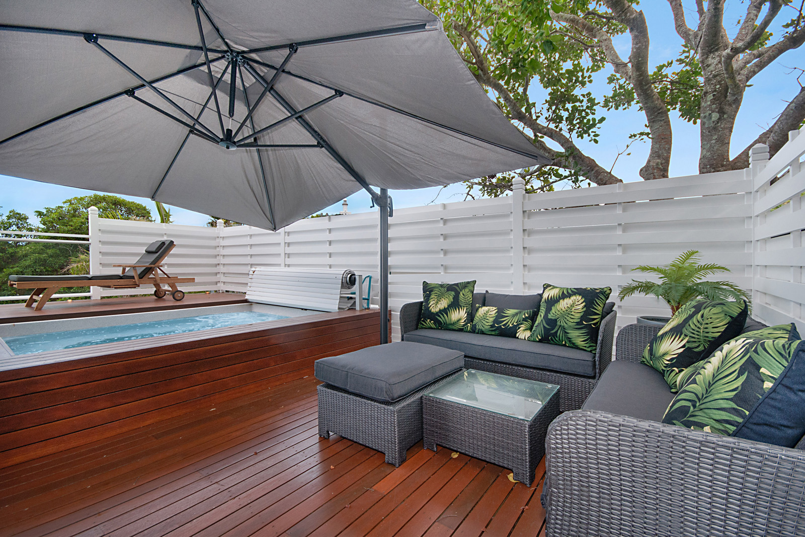 Cherie-Barber_Renovating-For-Profit_GET-THE-LOOK-Cherie-Barbers-Byron-Bay-Holiday-Home_Spa-After