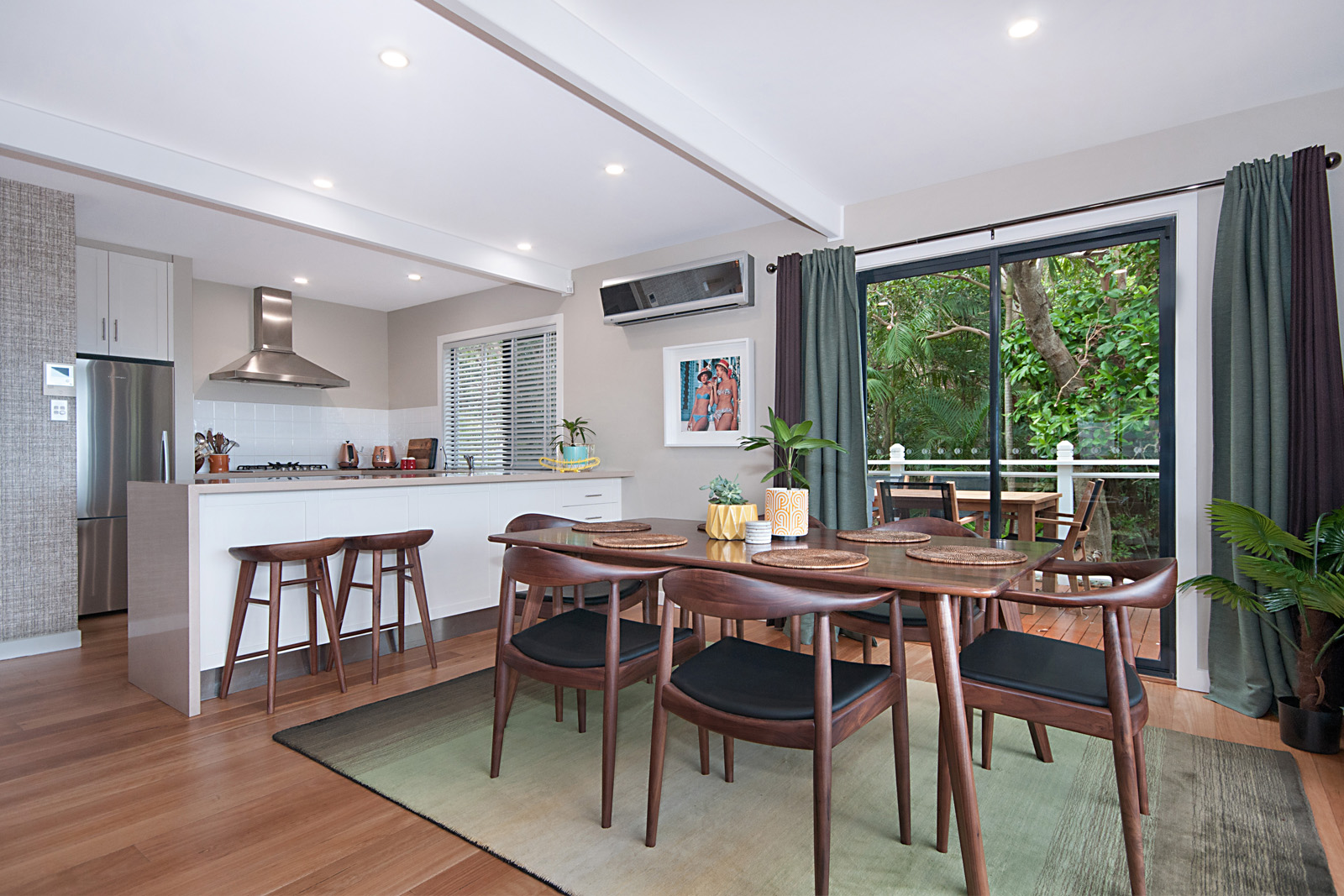 Cherie-Barber_Renovating-For-Profit_GET-THE-LOOK-Cherie-Barbers-Byron-Bay-Holiday-Home_Kitchen-After