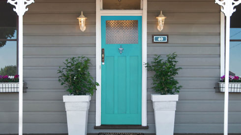 Feature-Cherie-Barber_Renovating-For-Profit_Front-Door-Styling_0100-00205