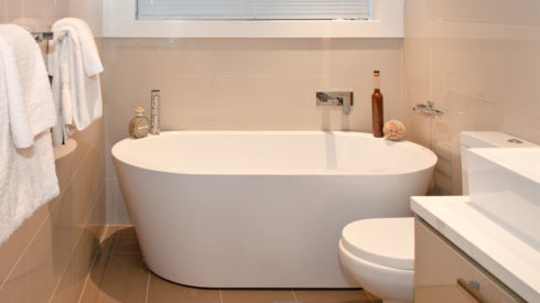 Feature-Cherie-Barber_Renovating-For-Profit_How-to-plan-project-manage-bathroom-Clovelly-after_0100-00207-1