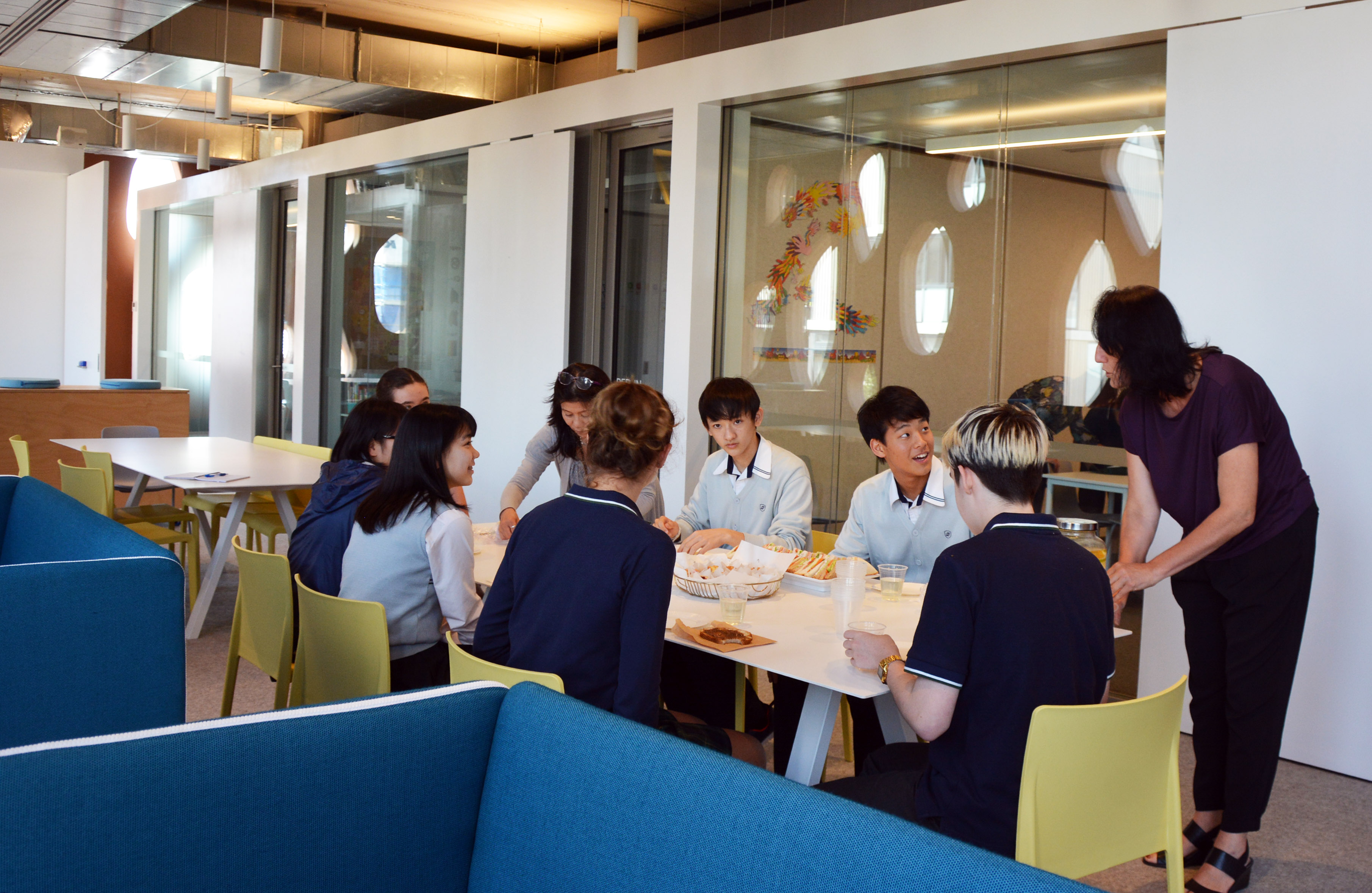 igs-visiting-students-from-osaka-japan-high-school-welcome