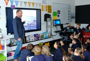Professor Anthony Burke visits IGS to discuss architecture