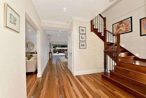 property/556002/22-virginia-street-mount-waverley/ image