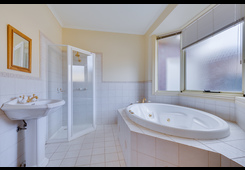 property/558073/11-pacific-place-taylors-lakes/ image