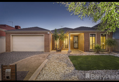 91 Willowgreen Way Point Cook