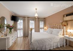 property/558166/44-milton-parade-bundoora/ image