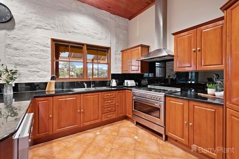 property/548167/580-belgrave-hallam-road-narre-warren-east/ image