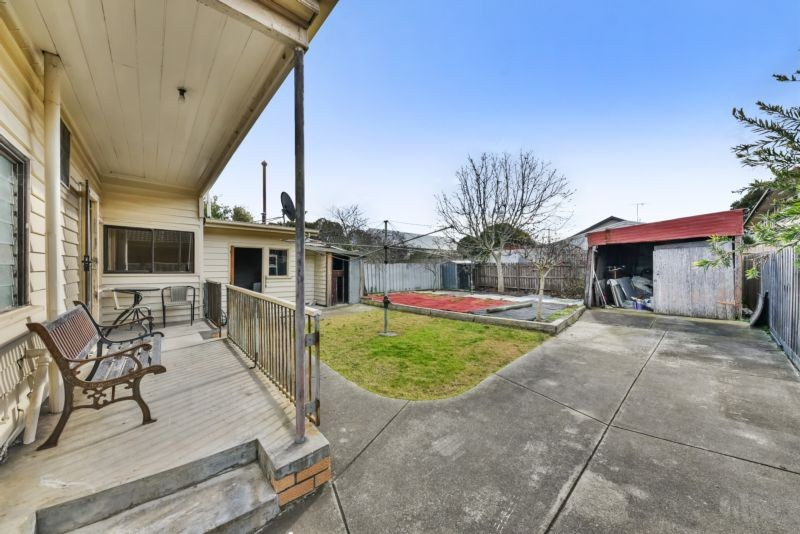 16 Crofton Street Geelong West