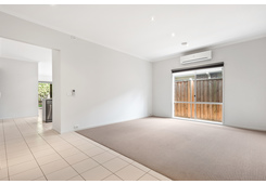 32 Coulthard Crescent Doreen image