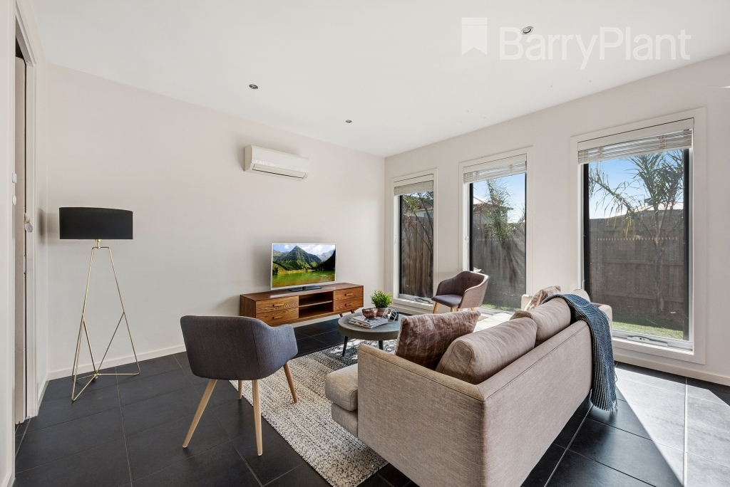 4B Rowland Drive Point Cook