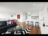 3/10 Melville Road Brunswick West - image