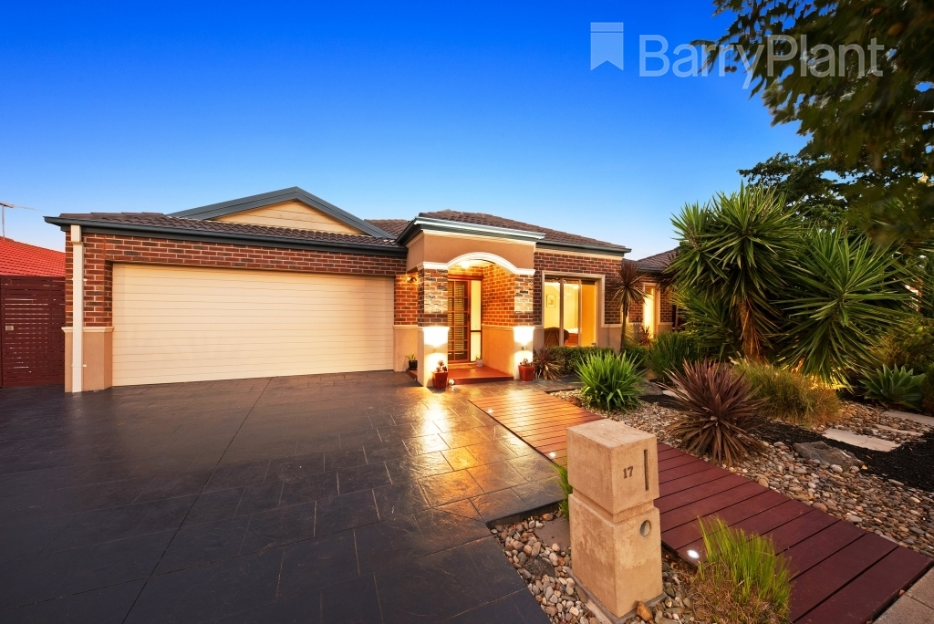 17 Santander Crescent Point Cook