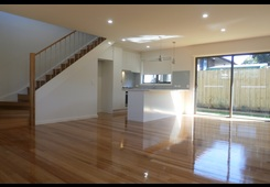 2/13 Downs Street Pascoe Vale image