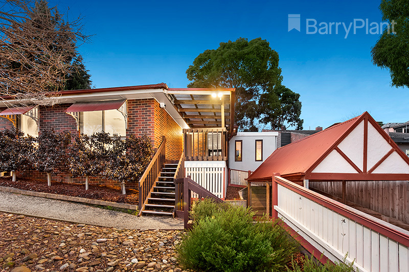 55 Booyan Crescent Greensborough