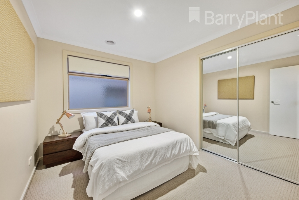40 Featherbrook Drive Point Cook